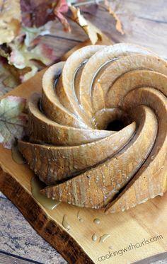 Pumpkintini Cocktail Cake | cookingwithcurls.com