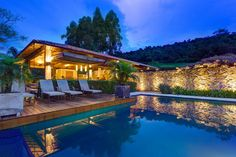 Casa Fazenda is located in Amarantina (Amarante in English), Portugal and was designed by Helena Teixeira Rios e Jacques Rios.