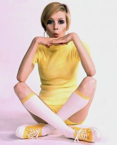 Top Model Twiggy www.hottrotter.com - find more Twiggy and other 1960s fashion model pictures at http://fashioninthe1960s.tumblr.com/