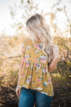 Lace-up Back Floral Ruffle Top: