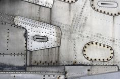 riveted exterior on a DC-8 - Photo by Philippe Clairo.