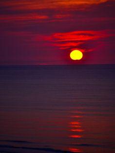 ✯ Red Sunset