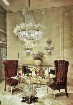 Luxury Dining with Amazing Chandelier