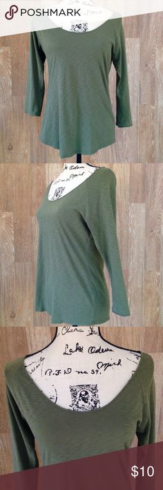 "Cynthia Rowley Green Top Cynthia Rowley green 3/4 sleeve lightweight top. Size M. Good condition, no fading, a few tiny holes in the fabric, barely seen. Measurements: length - 23"" front/25"" back, shoulders - 16.5"", width armpit to armpit - 18"". Inside label removed at purchase. Cynthia Rowley Tops"