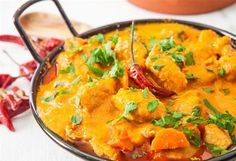 Do you think that you can only find delicious Tofu curry in Indian restaurants? Do you also worry about potential weight loss problems? Or are you worried that to make delicious Tofu curry at home you'll need a mysterious Indian pot that. Stew Chicken Recipe, Easy Chicken Curry, Coconut Chicken, Chicken Soup, Healthy Foods To Eat, Healthy Dinner Recipes, Diet Recipes, Poulet Curry Coco, Butternut Squash Curry