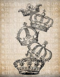 Antike Französisch Royal Stapel von Kronen von AntiqueGraphique