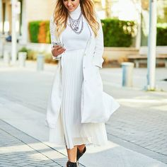 How to Style a Monochromatic White-Out For Fall With Christie Lohr Fashion Jobs, Fashion Outfits, White Tongue, White Outfits, Lilly Pulitzer, Autumn Fashion, Feminine, Nordstrom, Shirt Dress