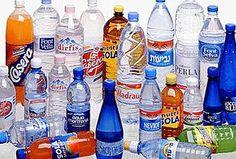 Aquí os dejamos unas idéas para poder reciclar botellas de plastico haciendo manualidades, y objetas de decoración .    La primera, son estos tarros para guardar caramelos y chuches hechos con la parte de inferior de las botellas de plástico. Fáci...