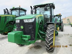 First John Deere 8370R I have seen in Flora.Will not be the last.