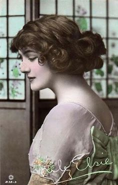 Hand tinted postcard of the ever-lovely Lily Elsie. Vintage Pictures, Vintage Images, Victorian Pictures, Vintage Postcards, Edwardian Fashion, Vintage Fashion, Edwardian Era, Lily Elsie, Gibson Girl