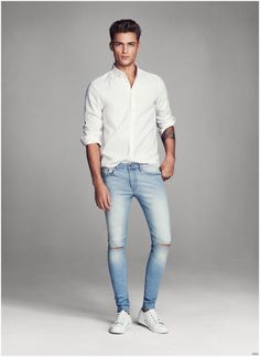 Harvey Haydon Models Super Skinny Denim Jeans for H&M Men Mais Outfit Jeans, Superenge Jeans, Denim Skinny Jeans, Super Skinny Jeans, Men's Denim, Jeans Size, White Outfit For Men, Style Costume Homme, White Shirt And Jeans