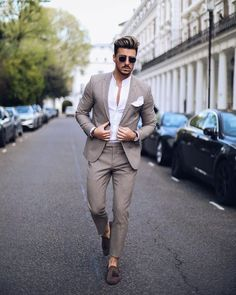 Men/ formal suits for men, trendy mens suits, formal men outfit, formal dre Trendy Mens Suits, Mens Fashion Suits, Stylish Men, Men Casual, Mens Fashion Trends 2019, Casual Chic, Casual Grooms, Casual Styles, Suits Outfits