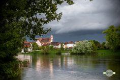 Bedrohlich - Ein Gewitter zieht über Straubing auf. A thunderstorm is moving over Straubing.