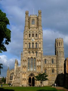 ROMANESQUE ARCHITECTURE, England - West front of Ely cathedral (1080 to c. 1250).