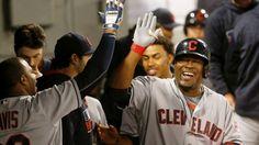 Cleveland dividió honores al imponerse en el segundo juego 5-1 a los White Sox.
