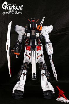 Neo Grade Nu Gundam - Customized Build Modeled by Seoyahooya Plastic Art, Mobile Suit, Grade 1, Frame Arms, Guys, Robots, Building, Universe, Models