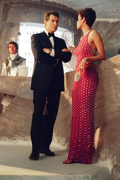 DIE ANOTHER DAY - Bond sees Jinx at the Gala.