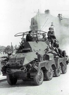 A SdKfz 263 8 rad armored car Ww2 Pictures, Ww2 Photos, Military Pictures, Mg 34, Luftwaffe, Afrika Corps, Armoured Personnel Carrier, Man Of War, Armored Vehicles