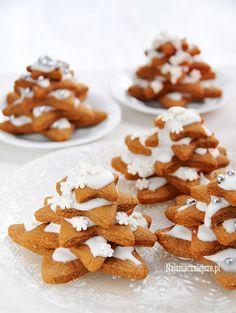 Choinki z piernika #choinki #przepis #najsmaczniejsze #piernik #pierniczki #święta #food