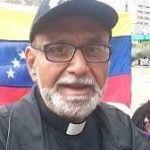 """Sacerdote José Palmar: """"Presidente Nicolás Maduro se vistió de blanco por…"""