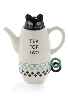 Paw Me a Cup. I need this for my desk! Office. Cubicle. Desk beverage. Tea holder. Tea dispenser.