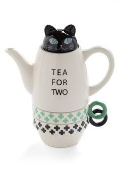 Paw Me a Cup Tea Set in Kitten