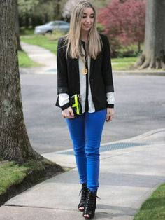 "The Sorelle in Style blogger said of her look: ""I like to dress up my bright denim a bit with a blazer and pair it with a shot of neon for some added fun!"""