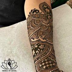 Peacocks & Inverse-fills! ❤️ Bridal henna for my beaaaautiful early August bride. @pardeep0516  #mrandmrsgugi #henna #bridalhenna #hennabydivya #hennatattoo #torontohenna #torontohennaartist #torontobridalhenna #bridalmehndi #hennadesign #hennaartist #indianbrides #hennainspire #indianweddinginspiration #indianbrides #indian_wedding_inspiration #wedmegood #lashkara