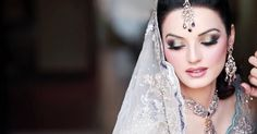 Ace Star Weddings is offering highly professional Asian bridal makeup artist Birmingham who have years of experience in the relevant field. So, let your hair down and hand yourself over to them.