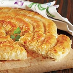 Bed Sheet Pastry Recipe Source by Next Previous Crispy Pastry Recipe - Baklavalik Pastry Crispy…Thin End Lace Models, # bed sheet edge lace models… Albanian Recipes, Turkish Recipes, Greek Recipes, Ethnic Recipes, Pastry Recipes, Cooking Recipes, Macedonian Food, Arabic Food, Chorizo