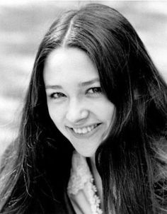 olivia hussey: 83 thousand results found on Yandex. Olivia Hussey, People Need The Lord, Film Romeo And Juliet, Pretty People, Beautiful People, Leonard Whiting, 60s And 70s Fashion, Juliette, Long Layered Hair