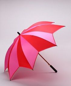 This umbrella really pops against gray skies with its alternating bubblegum pink and picnic red panels.Rain, rain, come again every day! Clear Umbrella, Sun Umbrella, Folding Umbrella, Under My Umbrella, Fancy Umbrella, Colorful Umbrellas, Umbrellas Parasols, Red And Pink, Pretty In Pink
