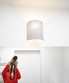 J'ai fabriqué une applique… Luminaire Applique, Lampe Applique, Luminaire Mural, Creative Textiles, Sewing Appliques, Textile Artists, Diy Projects To Try, Decoration, Logs