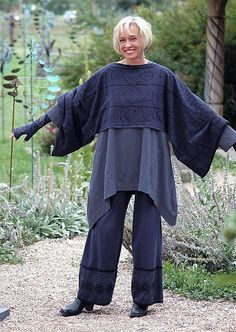 https://flic.kr/p/6pJAuS | Bluefish Col. 75 Thresholds Adornment Shrug, Lotus Tunic, Boundary pant in Black violet and mussel