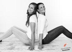 2 beste Freundinnen beim Fotoshooting | Fotografin Leipzig » rech & friends fotostudio