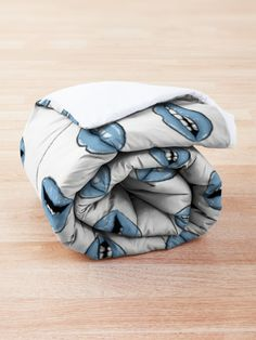 """""""Blue Lips"""" Comforter by MadoMade Blue Lips, Lip Designs, Square Quilt, Quilt Patterns, Blankets, Comforters, Rings For Men, Pillows, Drawings Of Lips"""