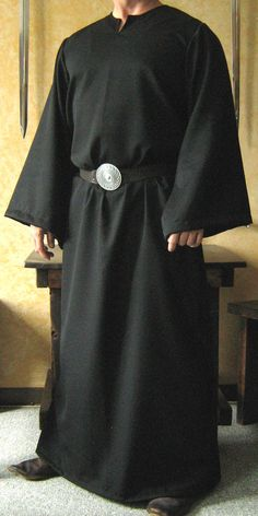 Medieval Celtic Viking Monk Wizard Robe by MorganasCollection Crow Costume, Wizard Costume, Renaissance Fair Costume, Medieval Costume, Viking Clothing, Historical Clothing, Capes, Wizard Robes, Larp