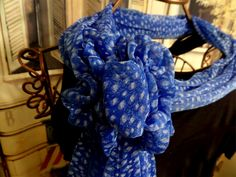Matching or coordinating clips hold scarf in many ways to accessorize your outfit. Perfect for dressy and casual occasions.