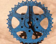 recycled bike gear desk clock black and blue by davehardell