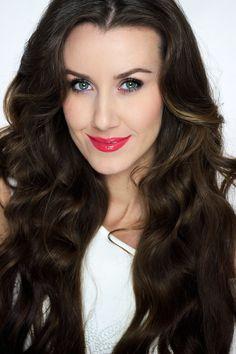 Kosmetyczna Hedonistka: Beauty | Lifestyle: JAK ZAKRĘCIĆ WŁOSY BEZ LOKÓWKI I WAŁKÓW? LOKI BEZ UŻYCIA CIEPŁA NA CHUSTKI KROK PO KROKU [BEZ NISZCZENIA WŁOSÓW]. Hair Tutorials, Writing Inspiration, Loki, Curls, Long Hair Styles, People, Roller Curls, Long Hair Hairdos, Long Hairstyles