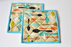 Pot Holders/Pair/Quilted/Mats/Red/Kitchen by LunaBearGifts on Etsy