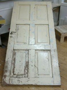 Räpylätyö: Ruokapöytä vanhasta ovesta
