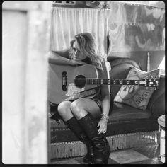 Miranda Lambert- My Idol Guitar Girl, Best Country Singers, Country Music, Country Strong, Miranda Lambert, Leigh Lambert, Blake Shelton, Badass Women, Music Mix