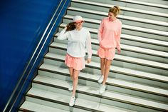 """""""レトロ スポーツ""""がテーマ、オーバーサイズがキャッチーなアディダス ネオ秋冬コレクション   〈アディダス ネオ(adidas neo)〉より2016年秋冬コレクションが登場。アディダスオンラインショップ、スポーツオーソリティーほか、一部の国内取り扱い店舗では、スニーカーやハットが現在販売中のほか、アパレルを本日8月12日(金)より発売する。    本コレクションは、「レトロ スポーツ(RETRO SPORTS)」がテーマ。スポーツ要素の高いジャージを取り入れつつも、トレンド..."""
