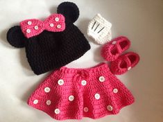 Hey, I found this really awesome Etsy listing at https://www.etsy.com/listing/185221680/minnie-mouse-pattern-in-pdf-tutorial