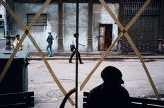 Havana, Cuba by: Alex Webb Contemporary Photography, Artistic Photography, Color Photography, Street Photography, Cuba Photography, Reportage Photography, Photography Names, Magnum Photos, Alex Webb