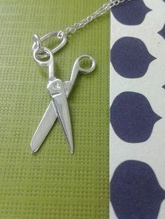 Mira este artículo en mi tienda de Etsy: https://www.etsy.com/es/listing/264753125/925-sterling-silver-scissors-charm-925