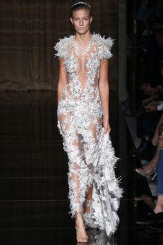 La robe PVC de Simone Rocha