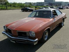oldsmobile-cutlass-salon-sedan-1975-01 American Stock, Oldsmobile Cutlass, Custom Cars, Salons, Bmw, Cars, Old Cars, Vintage Cars, Car Tuning