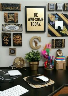 ▷ 1001 + ideas and ways to spruce up your cubicle decor - cubicle decor, framed art, hanging on the wall, black desk underneath, gold desk accessories - Work Cubicle Decor, Cute Cubicle, Work Desk Decor, Gold Office Decor, Cubicle Ideas, Decorate Office Cubicle, Decorating Office At Work, Office Cubical Decor, Cubicle Design